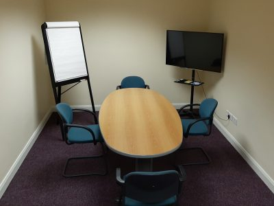 Private Meeting room with desk and media facilities